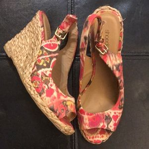 Shoedazzle Pink Espadrille Wedges